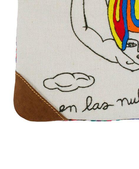 """Bolsa con detalles en cuero """"En las nubes"""""""