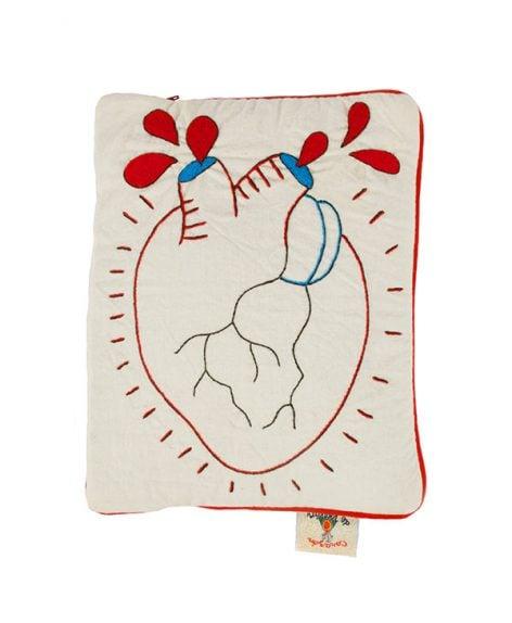 """Funda de tablet regular """"Corazón Palpitante"""""""