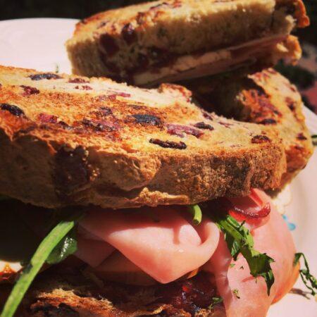 Pan de caja con arándanos
