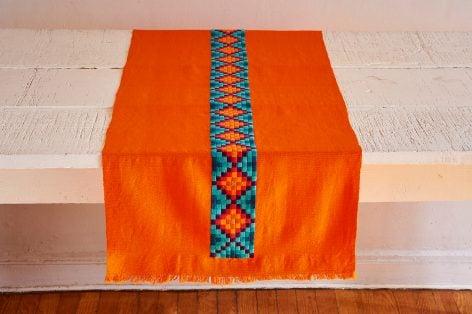 Camino de mesa de telar de cintura con bordado Ch'ol