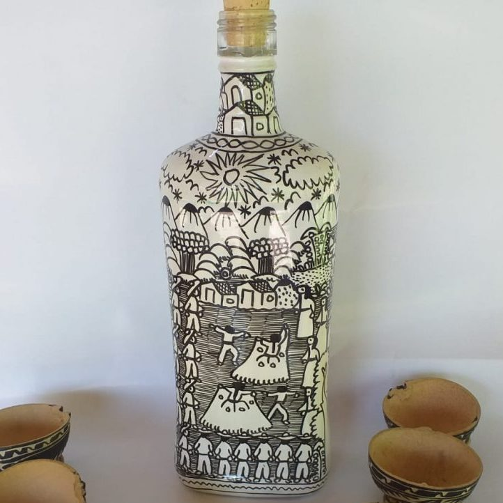 Mezcal Tobala en botella decorada (900 ml)
