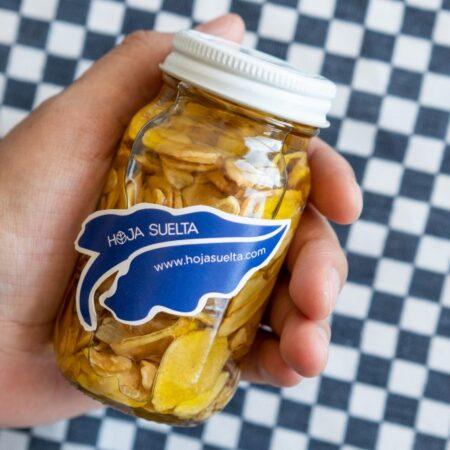 Ajos fileteados y macerados en aceite de oliva ~tarro chico