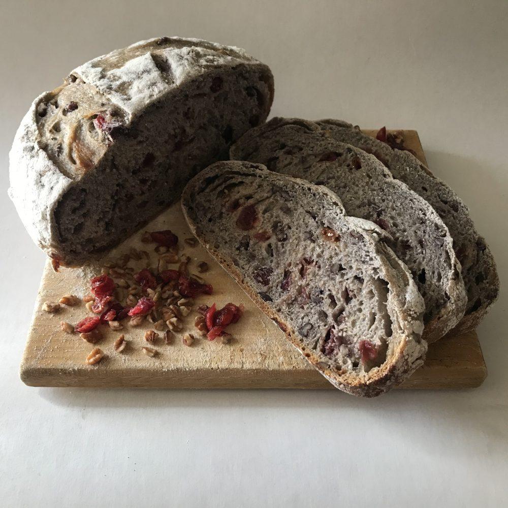 Pan de nueces con arándanos (masa madre)